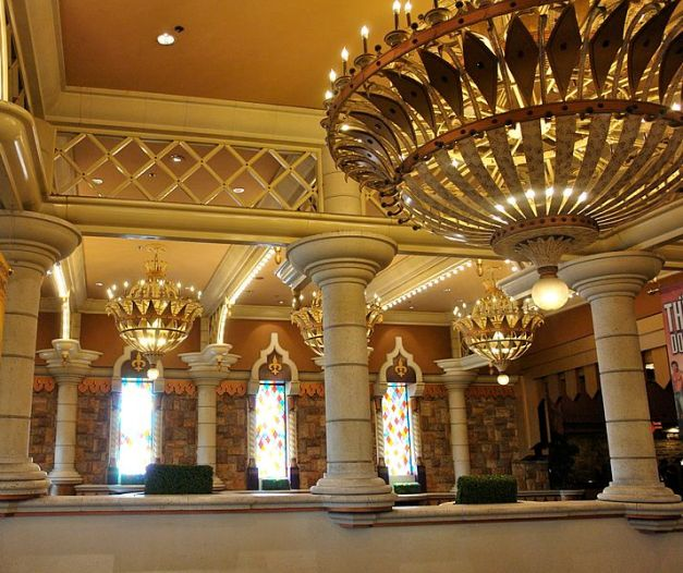 If the Excalibur had rooms like this, I didn't see much of them.